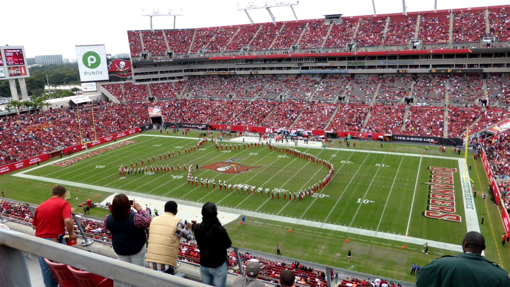 Falcons - Buccaneers Marching Band USA
