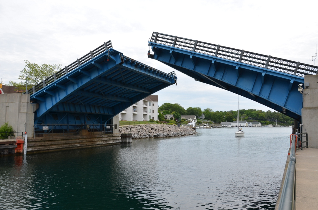 Charlevoix Bridge