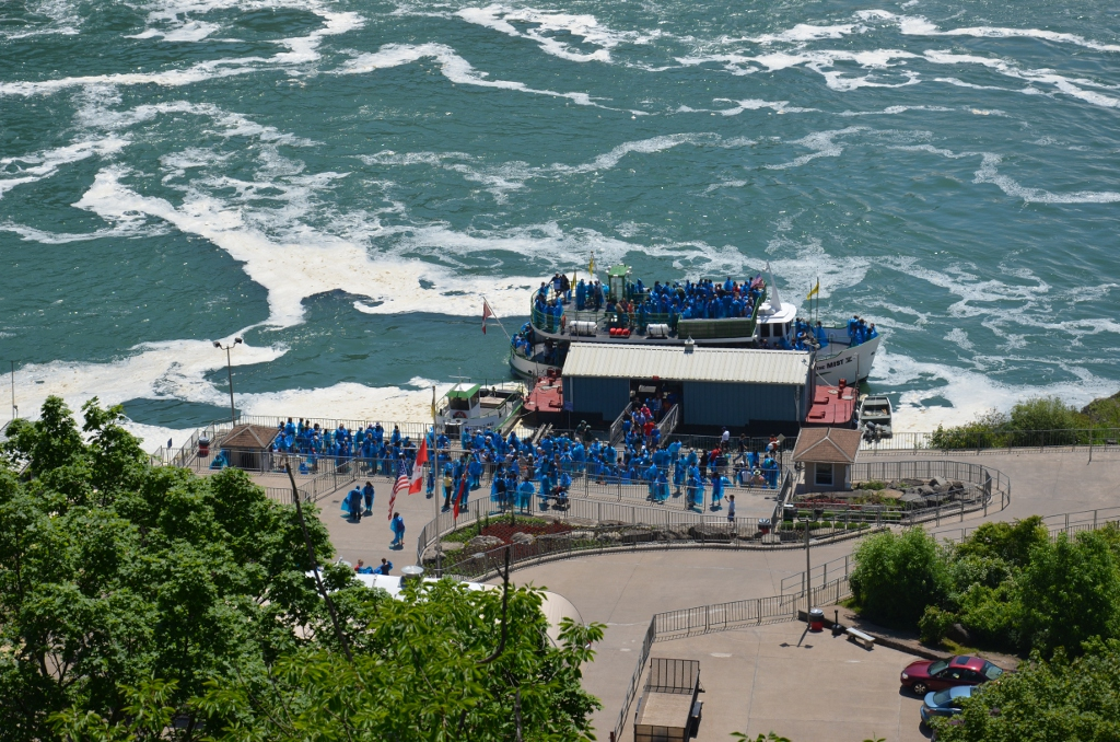 Maid of the Mist - Boarding