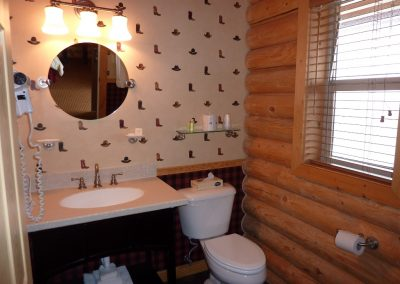 Cody Cowboy Village - Bathroom