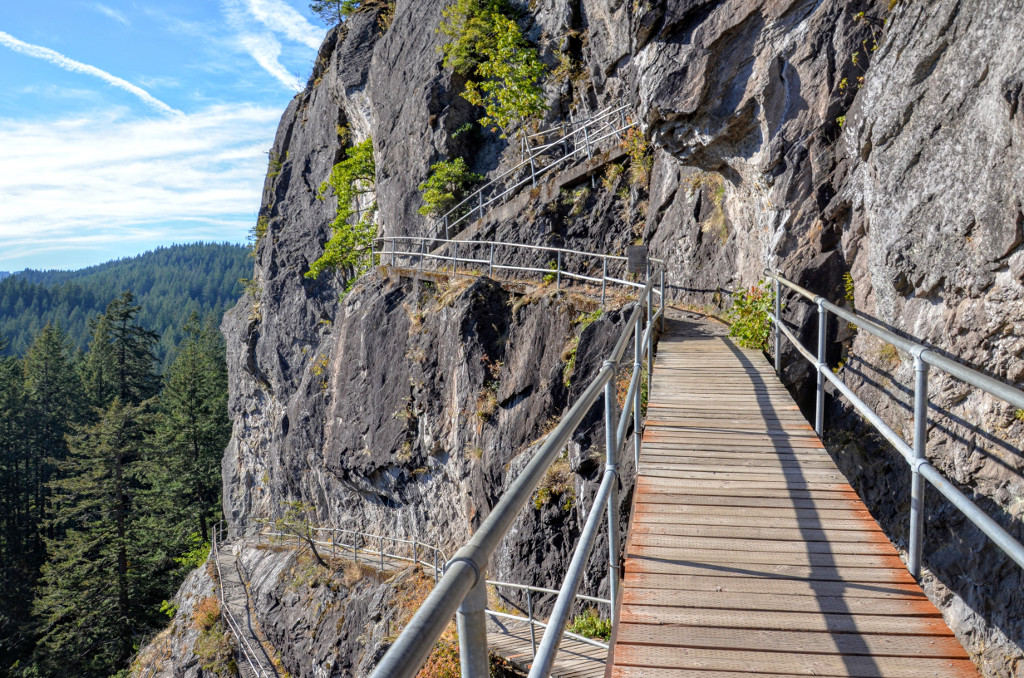 Beacon Rock Climb